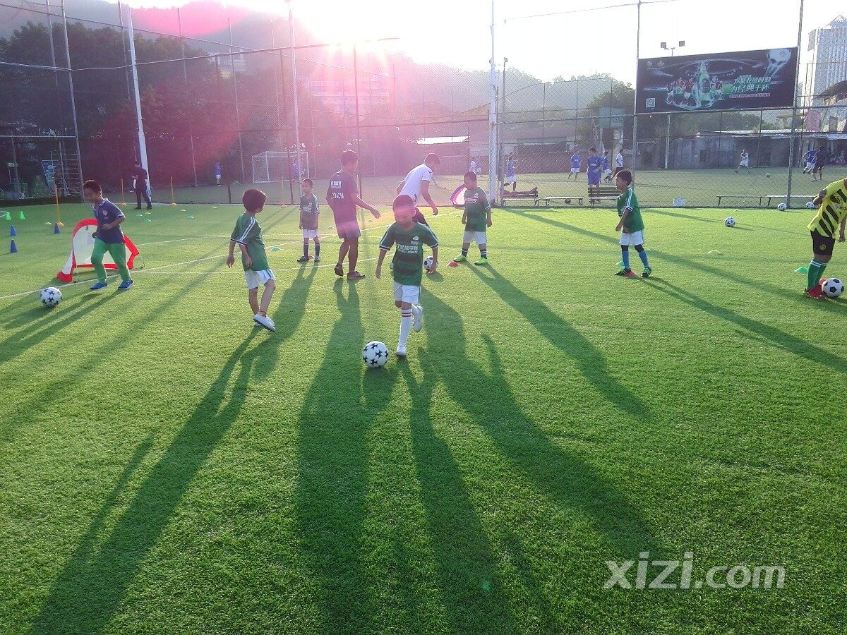 小孩学习足球的好处