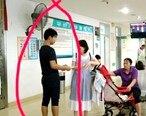 医院遇到假冒聋哑人的男子,强行要求病人捐款