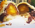 蛋黄酥是红豆和鸭蛋的故事!咸香酥脆超迷人
