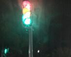 仲恺红旗小学旁出现红黄绿灯,走还是不走?