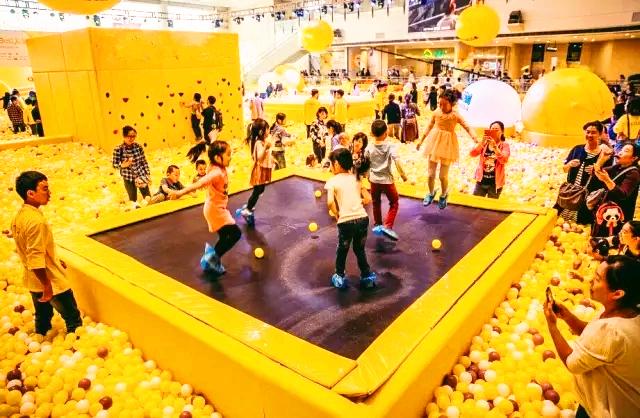 儿童乐园来了!海洋球、旋转木马免费玩