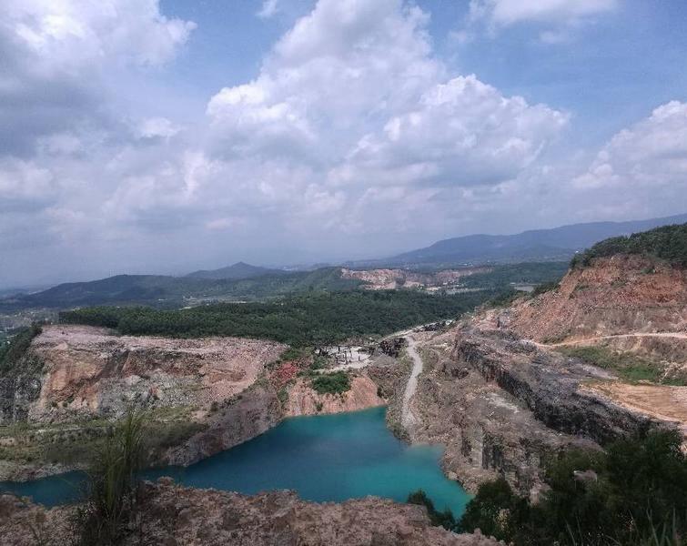 太美了!潼湖的天是蓝色的,水也是蓝色的