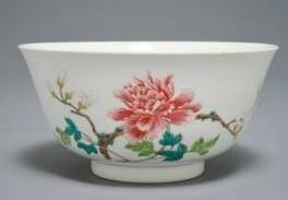 清代乾隆的粉彩花卉碗,比历史书上的更美