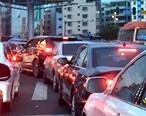 中秋节红绿灯放假?塞车严重,整条路乱糟糟
