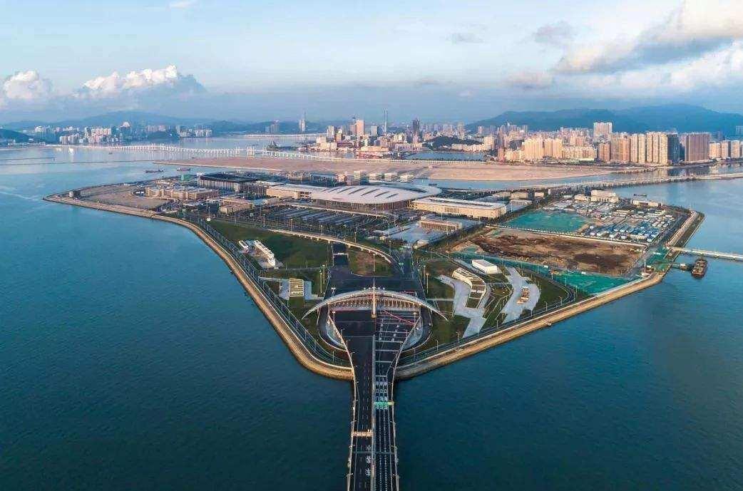 粤港澳三地政府21日将在港举行大湾区规划