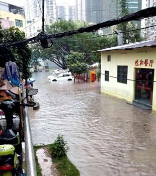 最新情况!一场大雨后仲恺四处都在水浸堵车