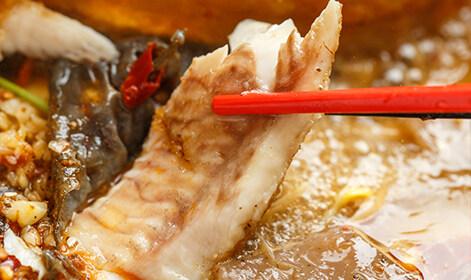 比脸大面包蟹、巴沙鱼烤鱼..这里好吃的太多