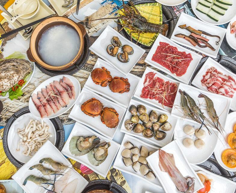 全城召集50个人免费吃海鲜粥底火锅!