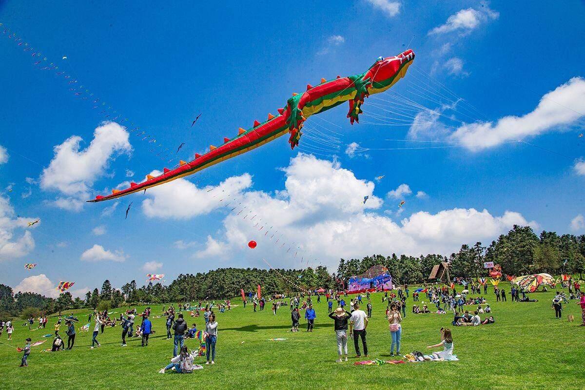 千人风筝节来袭!500米串式风筝等你来玩