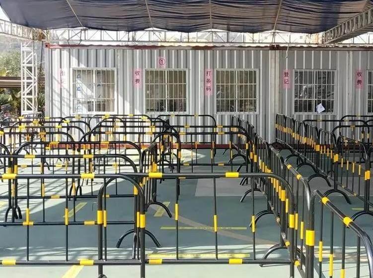 惠东县人民医院增多做核酸检测的窗口